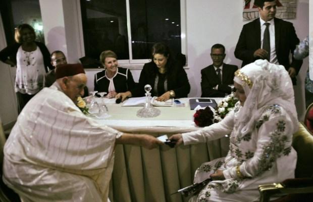 الحب لا يعترف بالسن.. كوبل تونسي تزوج في 79 عام! (صور)