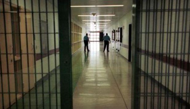كان محكوما بتهمة القتل العمد.. انتحار سجين في عكاشة