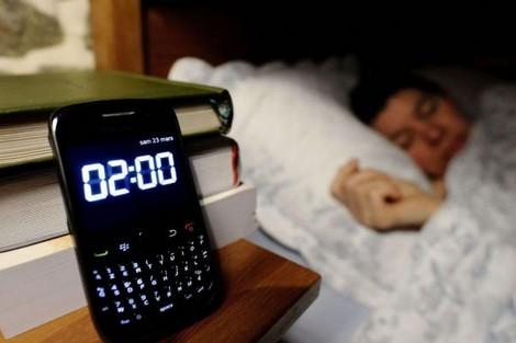 الحكومة زادت الساعة والتيليفونات نقصاتها.. صباح الحيرة!
