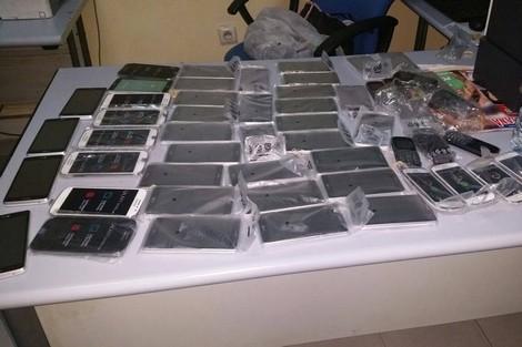 ميناء طنجة المتوسط.. حجز حوالي 200 هاتف ذكي مهرب