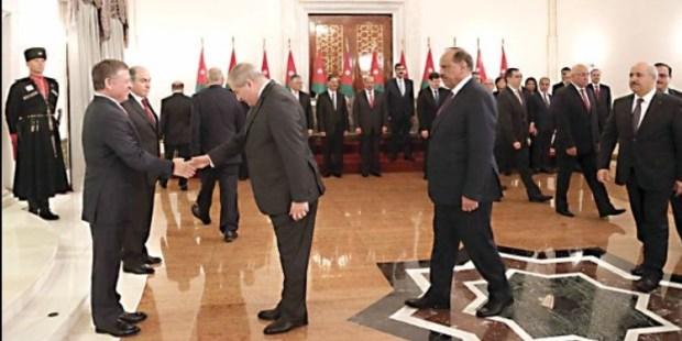 دمج 6 حقائب وخروج 10 وزراء.. تعديل حكومي واسع في الأردن!