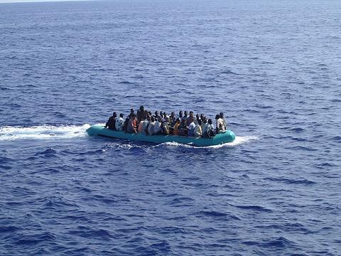 كانوا بغاو يحركو.. توقيف 13 إفريقيا و8 فلسطينين في طانطان
