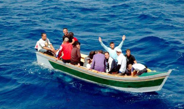 القارب غرق.. البحرية الملكية عتقات 37 حراك مغربي