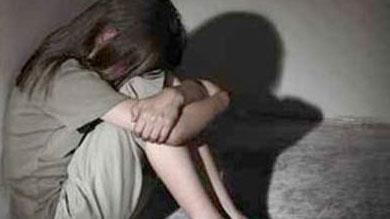 """الخميسات.. """"ما تقيش ولدي"""" تنتقد حكما ضد مغتصب طفلة معاقة"""