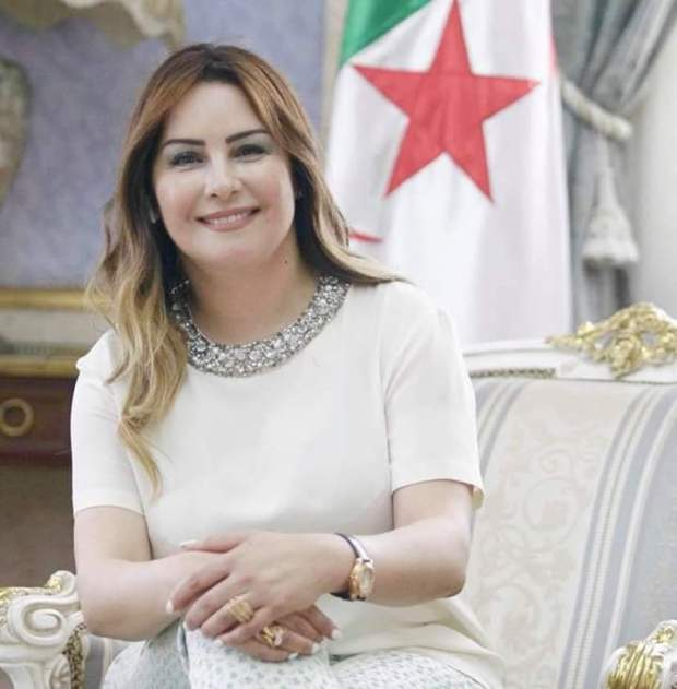 """أميرة سليم """"تترشح"""" للانتخابات الرئاسة الجزائرية.. مغاربة بغاو يصوتو!! (صور)"""