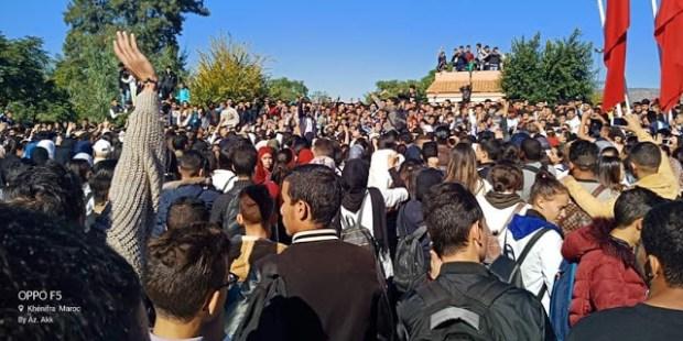 """التلاميذ يرفعون شعار """"ما قاريينش"""".. الاحتجاجات ضد التوقيت الصيفي تدخل يومها الثالث!"""