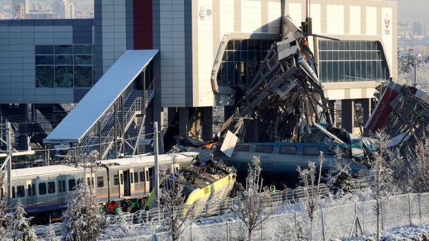 تركيا.. سبعة قتلى و46 جريحا في حادث قطار