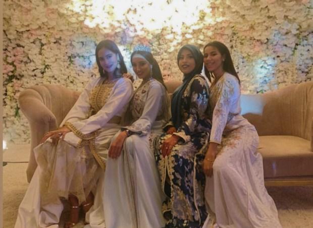 في حفل الزفاف.. زوجات بونو والكعبي ومنديل في صورة تذكارية