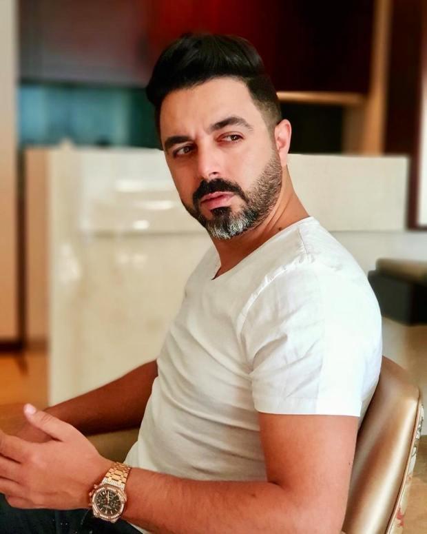 """أحمد شوقي لـ""""كيفاش"""": واش أنا عندي الكرون نهضر مع سيدة بديك الطريقة من حسابي الرسمي"""