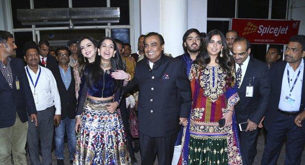 بزاف على المعقول.. زفاف أسطوري لابنة أغنى رجل في الهند