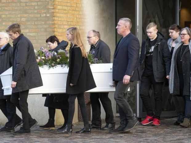 بحضور رئيس الوزارء.. تشييع جنازة السائحة الدانماركية التي قتلت في إمليل (صور)