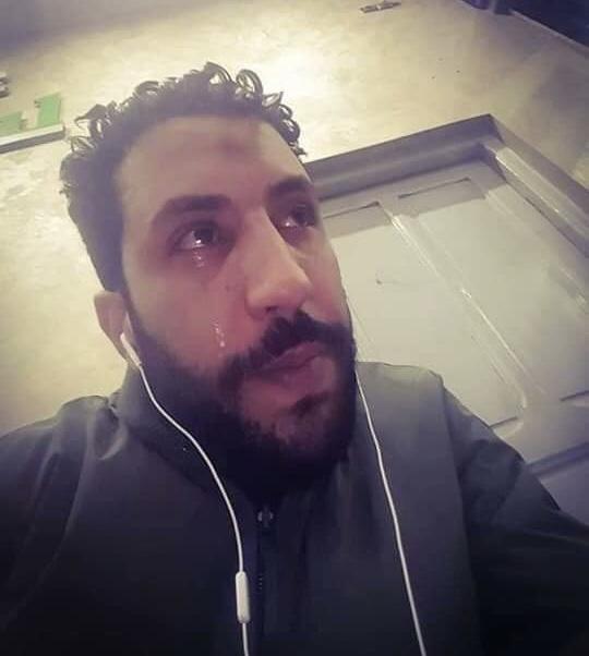 """""""تقهرت وتغبنت وما لقيت جهد لميمتي"""".. دموع شاب مغربي تهز الفايس بوك"""