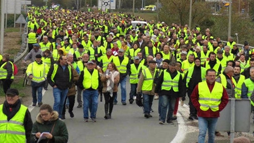 فرنسا..  ألف شرطي يستعدون لأصحاب السترات الصفراء