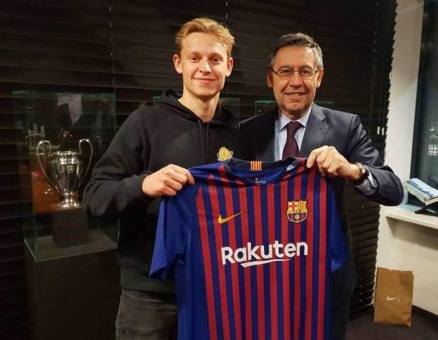 قضاو الغرض بكري.. برشلونة الإسباني يتعاقد مع الهولندي دي يونغ