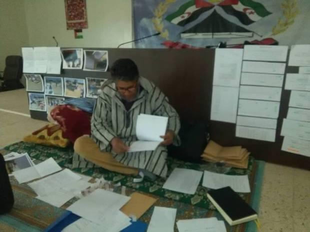 البوليساريو.. اعتصام بسبب سرقة 56 مليار سنتيم جزائري (صور)