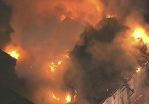 حريق-المركز-الإسلامي-528x370