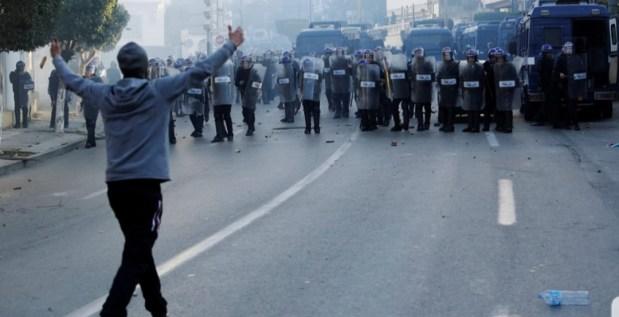 الجزائر.. اعتقال أزيد من 40 شخصا على خلفية الاحتجاجات الرافضة للعهدة الخامسة