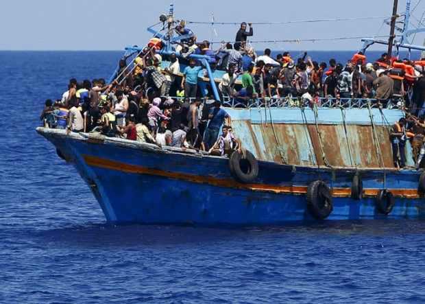 الخلفي: ليس هناك اتفاق بين المغرب وإسبانيا يسمح للسفن الإسبانية التي تنقذ المهاجرين بالرسو في الموانئ المغربية
