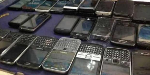 ميناء طنجة.. إحباط عملية تهريب 300 هاتف مستعمل
