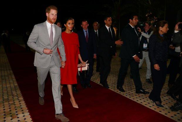 بمناسبة زيارة الأمير هاري وعقيلته إلى المغرب.. سفير بريطانيا كيمدح فالمملكة