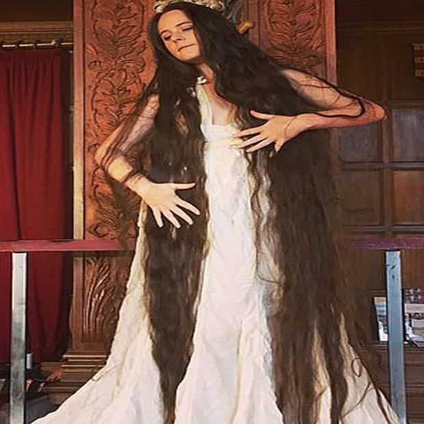 شعرها طول منها وما غسلاتوش مدة 20 عام.. فتاة بريطانية تعيش حياة الأساطير! (صور)