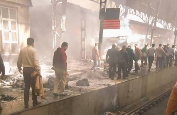 فاجعة في مصر.. قتلى وجرحى في اندلاع حريق في قطار