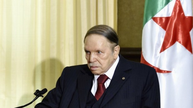 الجزائر.. بوتفليقة يوافق على تسليم السلطة إلى رئيس منتخب