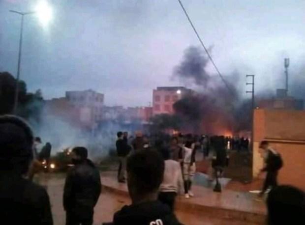 إصابات واعتقالات ورشق بالحجارة.. مواجهاتبين الأمن وطلبة في الرشيدية (صور)