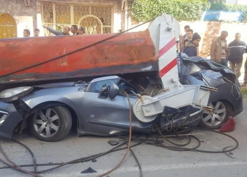 بالصور والفيديو.. سقوط رافعة بناء في القنيطرة