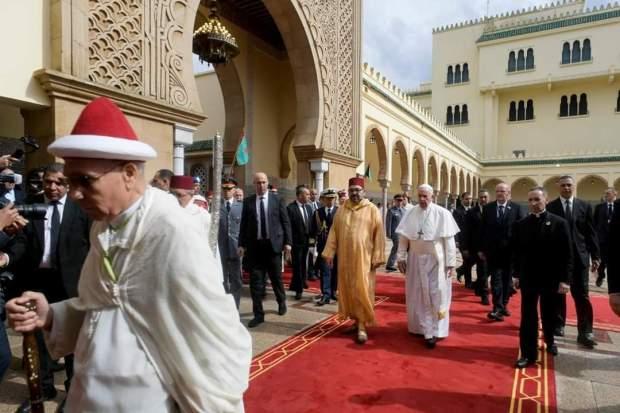 ترأسها العثماني.. الملك يقيم مأدبة عشاء على شرف الوفد المرافق للبابا فرانسيس