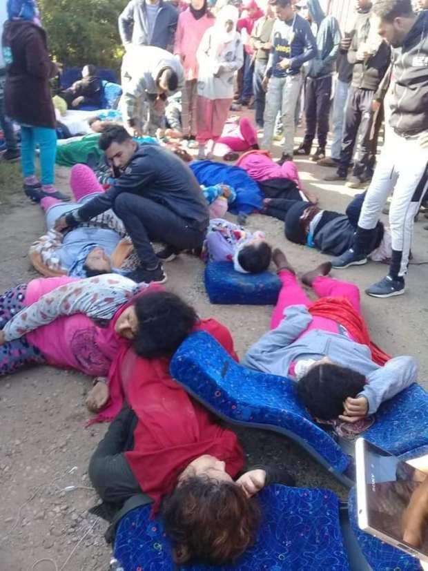 بالصور من مولاي بوسلهام.. مقتل عاملات وإصابة أخريات في حادثة سير مروعة