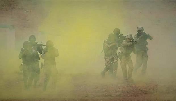 أمام وفد عسكري مغربي أمريكي رفيع المستوى.. مناورة جوية برية متعددة الجنسيات في رأس درعة