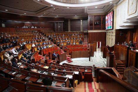 حضرها وزير وحيد.. البرلمانيين كاعيين على الحكومة بسبب الدورة الاستثنائية