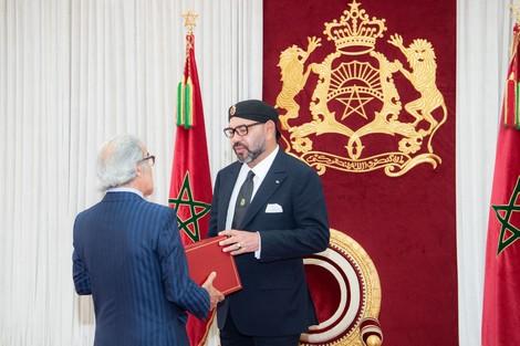قدم له التقرير السنوي حول الوضعية الاقتصادية والنقدية والمالية.. الملك يستقبل والي بنك المغرب