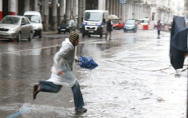 ستهم عددا من المناطق.. الأرصاد الجوية تحذر من زخات مطرية رعدية قوية