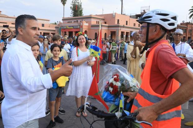 عندو 72 عام.. دراج أوكراني يصل المغرب على دراجته الهوائية (صور وفيديو)