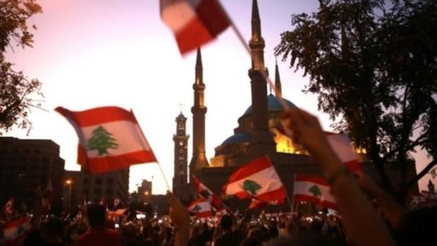 على خلفية الاحتجاجات الشعبية..حزب القوات اللبنانية يعلن استقالة وزرائه الأربعة من الحكومة
