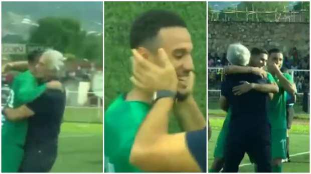 الفار ديال كيفاش.. التحام اللاعبين حول وحيد خليلوزيتش (صور)