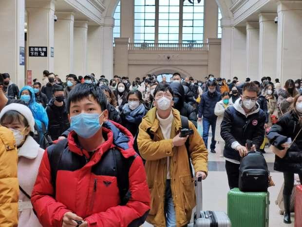 """بسبب وباء """"كورونا"""".. الصين تغلق مدينة ووهان ومغاربة يطلقون نداء مساعدة"""