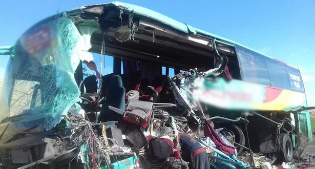 مصرع 3 أشخاص وإصابة 10 آخرين.. حادثة سير خطيرة في كلميم