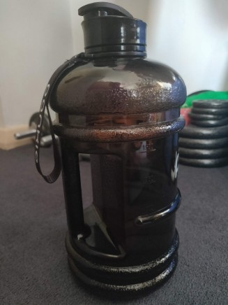 bottle for drinking 2 litres of water