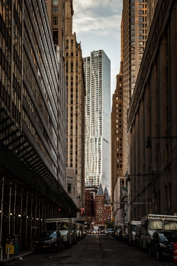 8 Spruce Street, NYC (Frank Gehry)