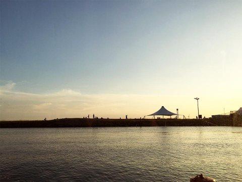 葛西臨海公園東京水辺ライン夕暮れ時
