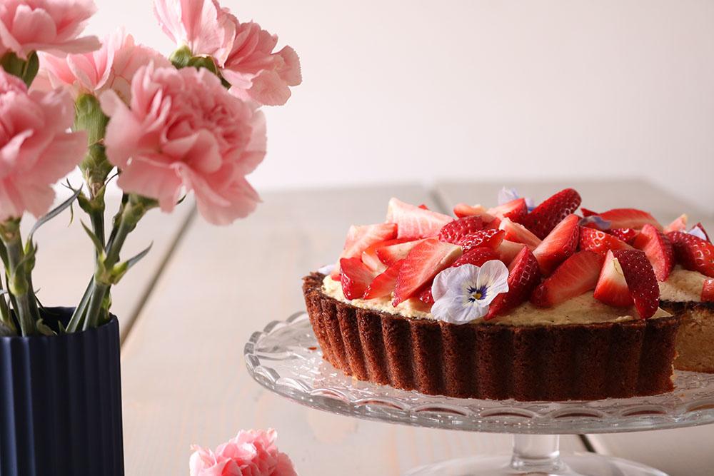 Opskrift på hjemmelavet jordbærtærte