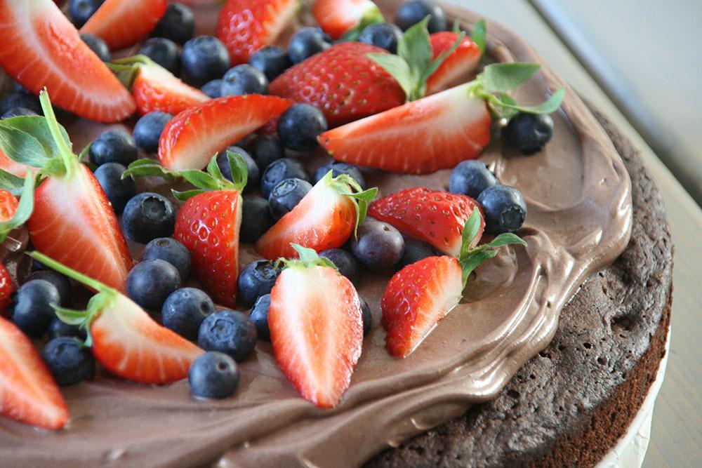 Opskrift på verdens bedste chokoladekage med frosting