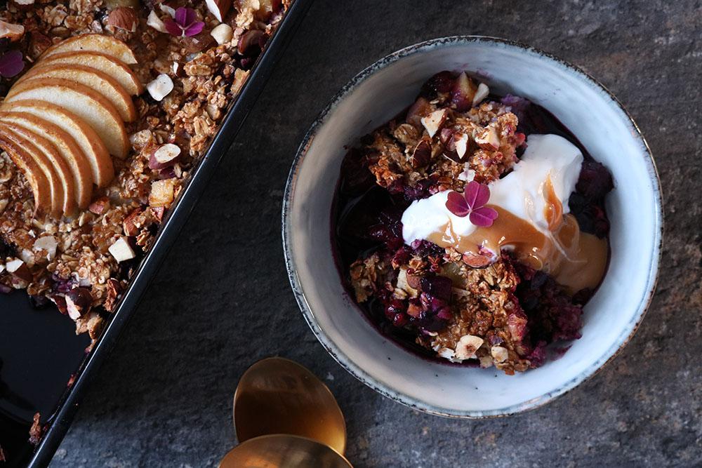 Opskrift på nem og lækker bagt morgenmad med bær
