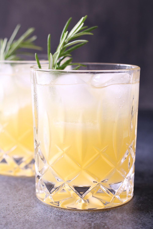 Opskrift på læskende ananas cocktail