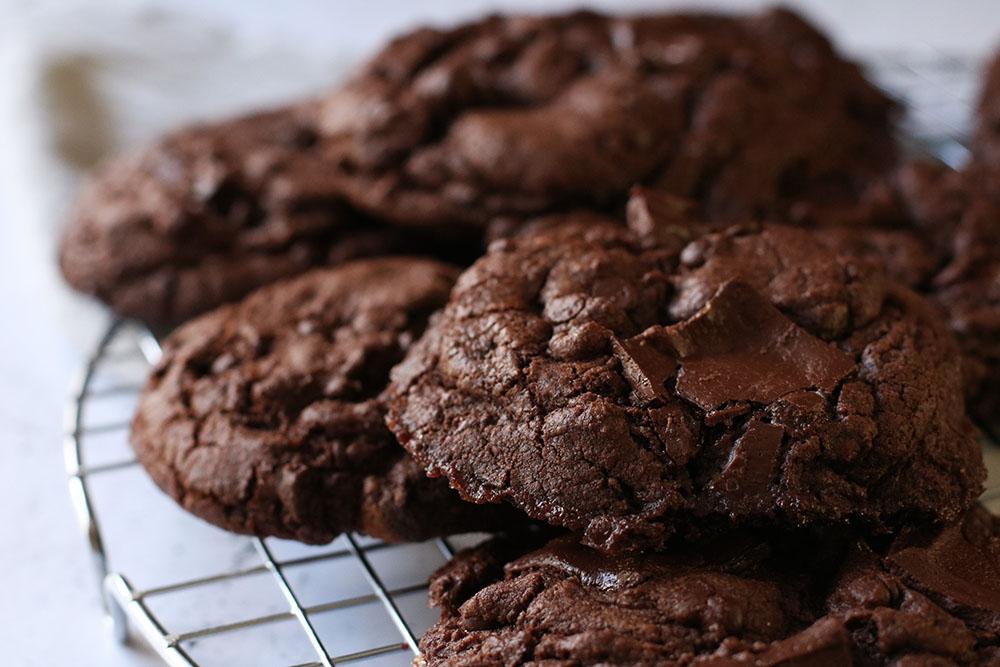 opskrift på overdådige brownie cookies