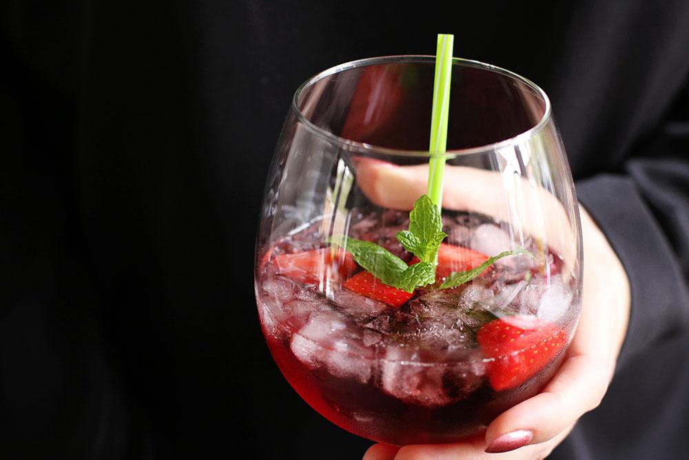 Fredagscocktail - Læskende tranebær drink