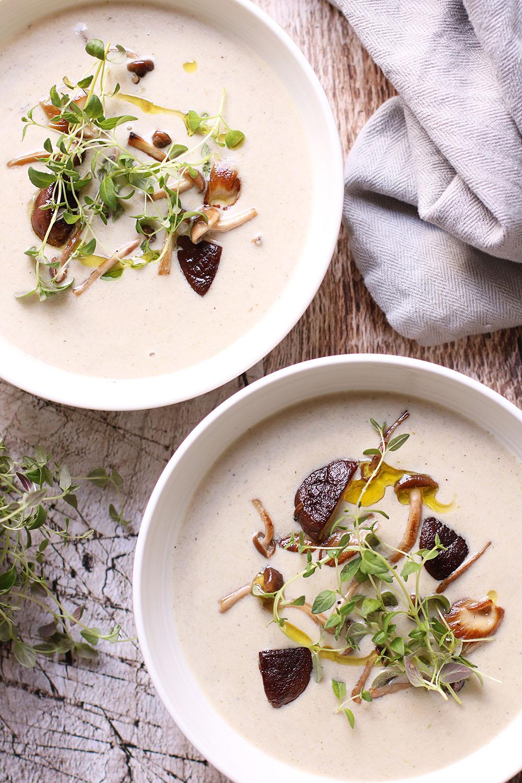 Smagsgod opskrift på vegansk svampesuppe